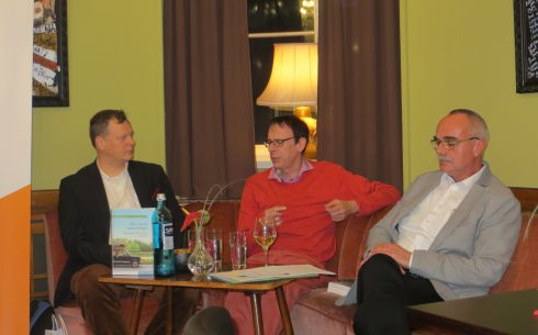 Markus Krzoska in dialogue with Bernd Karwen (on the left) and Frank Hadler (on the right)