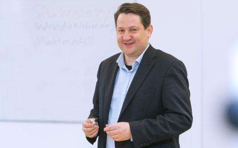 Universität Leipzig Theologische Fakultät Institut für Praktische Theologie Abt. Religions- und Kirchensoziologie Dr. phil. Alexander Yendell (C) Swen Reichhold